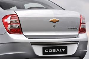 Chevrolet-Cobalt-2012-Traseira