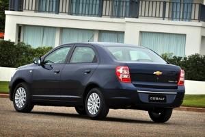 Chevrolet-Cobalt-2012-foto-2