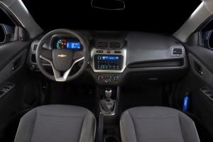 Chevrolet-Cobalt-2012-painel