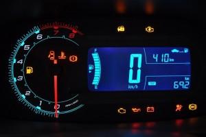 Chevrolet-Cobalt-2012-painel-digital