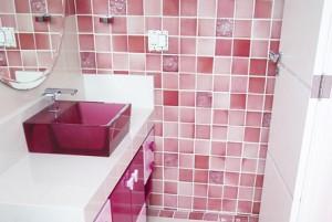 banheiros-decorados-com-pastilhas-22