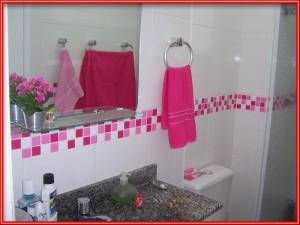 banheiros-decorados-com-pastilhas-27