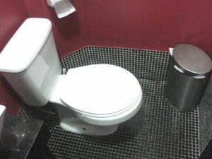 banheiros-decorados-com-pastilhas-29
