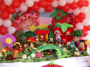decoracao-festa-infantil-moranguinho-fotos