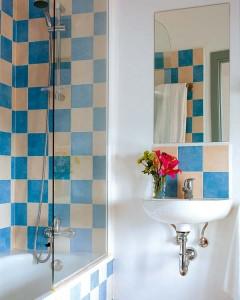 banheiros-pequenos-decorados-16