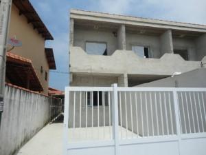 fachadas-de-sobrados-com-varanda-11