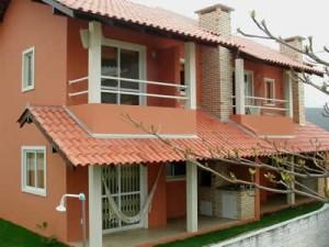 fachadas-de-sobrados-com-varanda-13