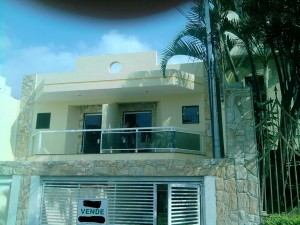 fachadas-de-sobrados-com-varanda-2
