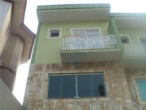 fachadas-de-sobrados-com-varanda-27