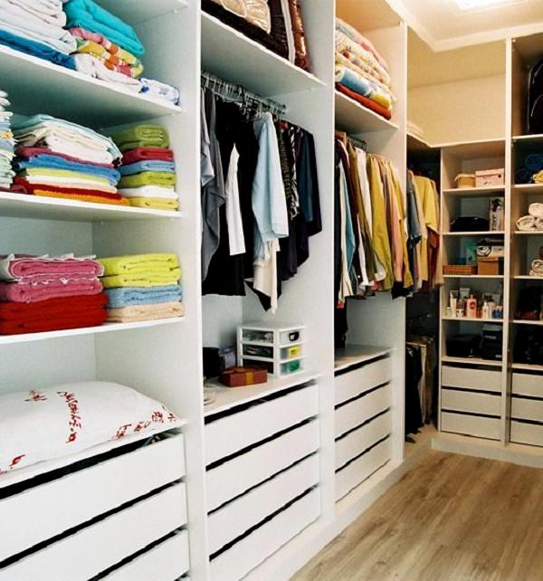 Closet planejado pequeno fotos for Modelos de closets para dormitorios pequenos