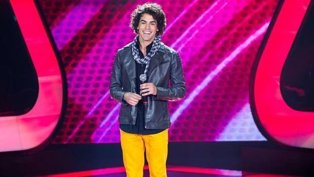 Sam Alves se apresenta pela primeira vez no The Voice Brasil 2ª Edição. (Imagem: Reprodução / TV Globo).