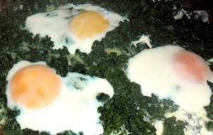Receita de Espinafre com ovo simples de fazer