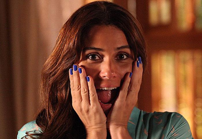 Esmalte Azul de Clara, na novela Em Família. (Foto: Divulgação)