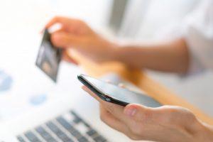 Nubank e Santander Free aprovam cartões de crédito sem consulta ao SPC/Serasa pelo WhatsApp?